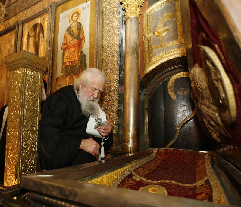 20 мая 2007 г., Москва. Богослужение в Успенском соборе Московского Кремля.