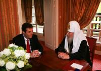 Предстоятель Русской Церкви встретился с главой правительства Сербии Воиславом Коштуницей