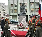 В Петербурге состоялось открытие и освящение памятника генералу Брусилову
