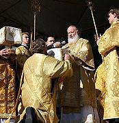 Предстоятель Русской Церкви совершил Божественную литургию на месте разрушенного Свято-Троицкого кафедрального собора Архангельска