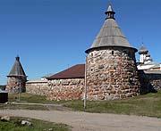 По словам руководителя Роскультуры, часть памятников Соловецкого монастыря останется в собственности государства и сформирует экспозицию нового музея