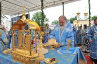 Святейший Патриарх Кирилл совершил Божественную литургию и молебен перед чудотворной иконой Божией Матери в Тихвинском Успенском монастыре