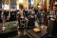 Предстоятель Русской Православной Церкви в Успенском соборе Троице-Сергиевой лавры совершил Литургию Преждеосвященных Даров