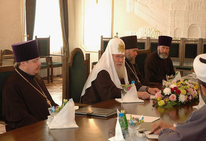 Встреча Святейшего Патриарха Алексия c представителями российских мусульманских организаций