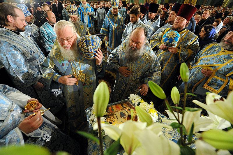 Патриарший визит в Ростовскую епархию. Утреня в кафедральном соборе Ростова-на-Дону.
