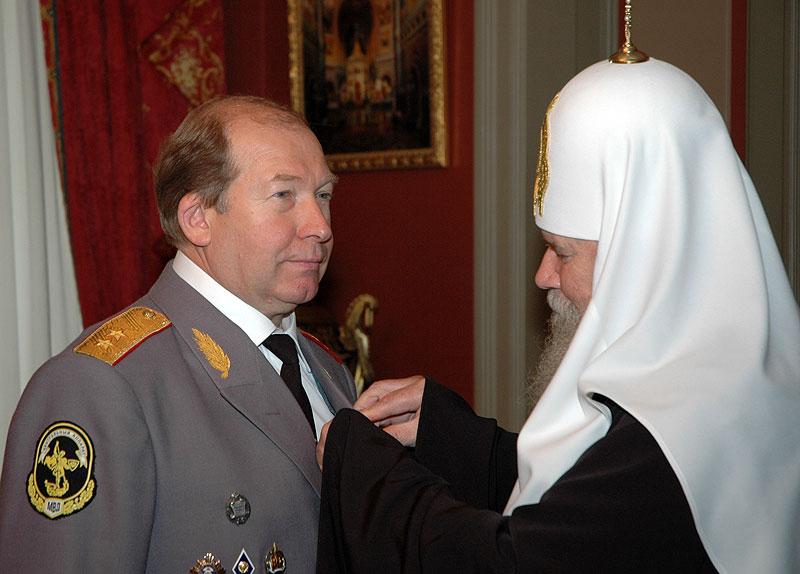 Встреча Святейшего Патриарха Алексия с начальником ГИБДД РФ В.Н. Кирьяновым