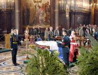 'Плачу и рыдаю, когда помышляю смерть'. О церемонии прощания с первым президентом России.
