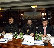 Представители Русской Православной Церкви приняли участие в общероссийском круглом столе 'Уроки Октября'
