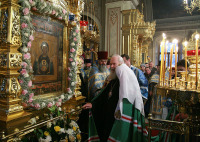 Святейший Патриарх Алексий совершил Божественную литургию в храме Знамения в Переяславской слободе