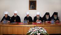 Священный Синод Украинской Православной Церкви выразил обеспокоенность действиями Румынского Патриархата и избрал двух новых архиереев
