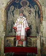 В понедельник Светлой седмицы Святейший Патриарх Кирилл совершил Божественную литургию в Успенском соборе Московского Кремля