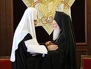 В Тронном зале Константинопольской Патриархии состоялась братская встреча Предстоятелей Константинопольской и Русской Православных Церквей