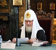 Святейший Патриарх Кирилл: «Украинская Православная Церковь обладает духовной силой и способностью объединять весь народ, и то, что я вижу здесь, общаясь с людьми, меня в этом убеждает»