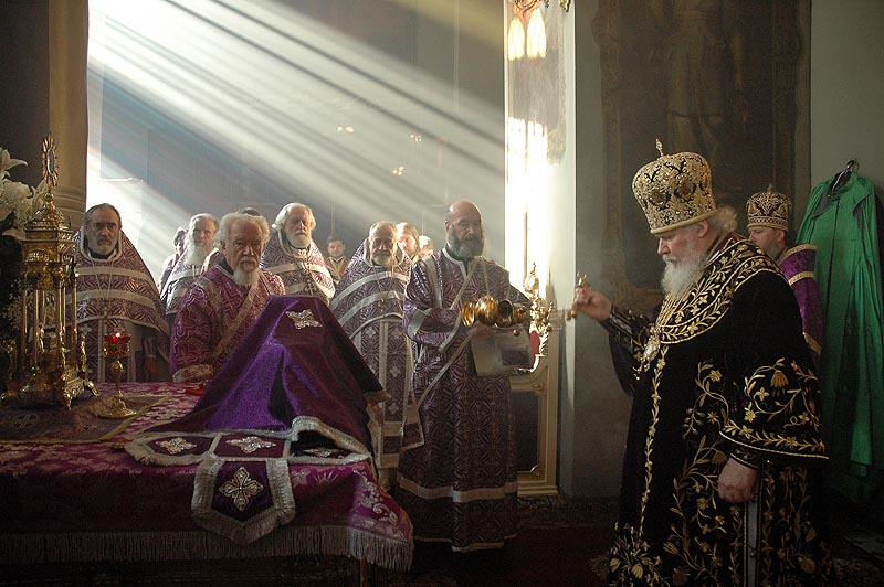 Патриаршее служение в день памяти св. Алексия, Человека Божия