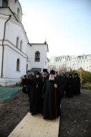 Святейший Патриарх Алексий ознакомился с ходом строительства соборного храма Зачатьевского монастыря