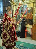 Святейший Патриарх Кирилл совершил Пасхальную вечерню в Успенском соборе Троице-Сергиевой лавры