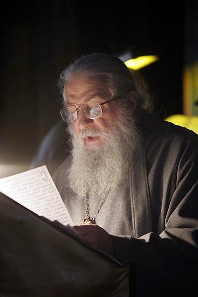Одна из последних прижизненных фотографий. Митр. Лавр читает канон прп. Андрея Критского на первой седмице Великого поста. Джорданвилль, март 2008 г. (фото сайта РПЦЗ).