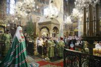 В День Святого Духа Святейший Патриарх Алексий совершил Литургию в Успенском соборе Московского Кремля