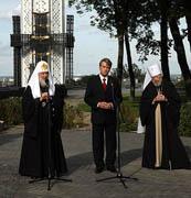 Слово Святейшего Патриарха Кирилла после возложения цветов к мемориалу жертвам массового голода