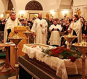 Отпевание Игоря Моисеева прошло в Храме Христа Спасителя