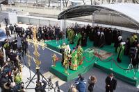 Святейший Патриарх Алексий совершил освящение крестов домового храма Патриаршего центра духовного развития детей и молодежи при Даниловом монастыре
