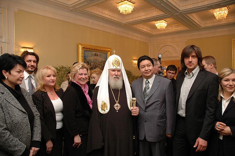 Встреча Святейшего Патриарха Алексия с делегацией Международной ассоциации благотворительных фондов «Мама»