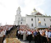 Святейший Патриарх Кирилл прибыл в Почаевскую лавру