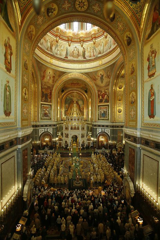 Торжественное богослужение в день завершения Архиерейского Собора