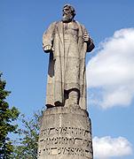 Ипатьевский монастырь основан, по-видимому, в конце XIII века.  По одной из версий, его основал в 1330 году татарский...