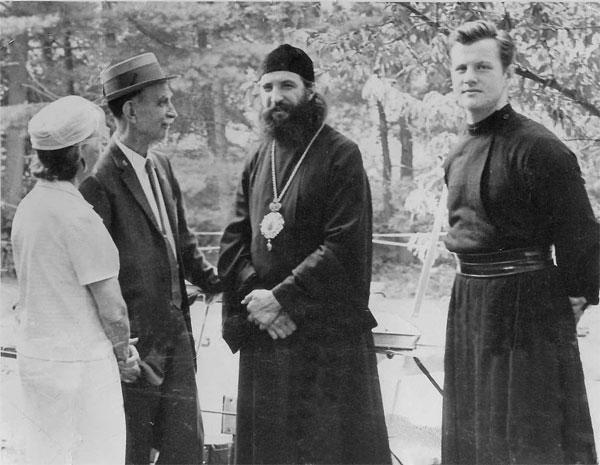 Н.Р. Бобров и епископ Лавр (фото сайта РПЦЗ)