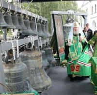 Святейший Патриарх Алексий совершил освящение исторической звонницы Свято-Данилова монастыря