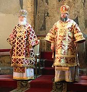 В Неделю жен-мироносиц Святейший Патриарх Кирилл и Блаженнейший Митрополит Иона совершили Божественную литургию в Успенском соборе Кремля