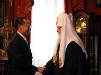 Состоялась встреча Святейшего Патриарха Кирилла с министром иностранных дел Республики Сингапур Джорджем Ео