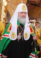 После возложения Патриарших мантии и куколя новопоставленному Предстоятелю Русской Церкви был вручен посох святителя Московского Петра