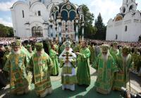 В день памяти Преподобного Сергия Радонежского Святейший Патриарх Кирилл совершил богослужение в Троице-Сергиевой лавре