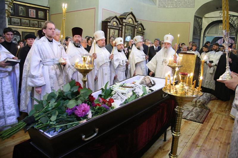 Присутствие беременных на похоронах 5