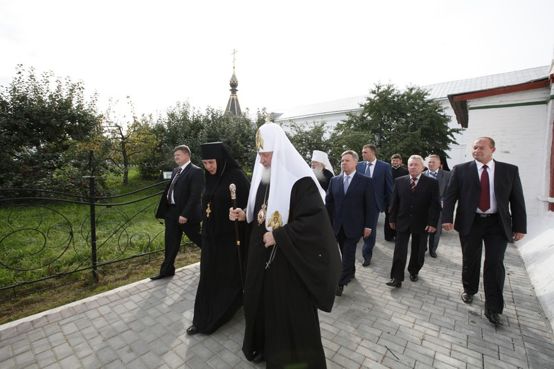 Патриарший визит в Коломну. Посещение Свято-Троицкого Ново-Голутвина монастыря и храмов города.
